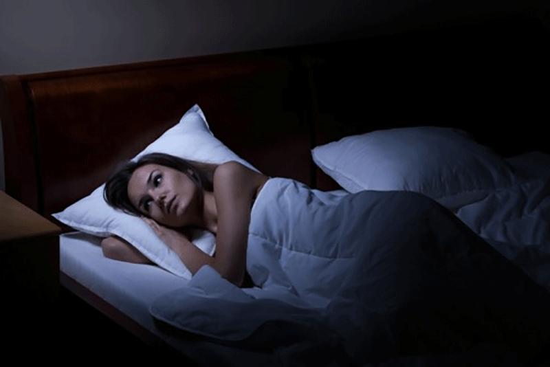 疲れているのに眠れない!その原因は?今夜から熟睡するための改善法