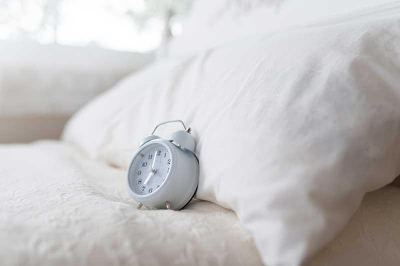 朝から気分爽快!質の良い睡眠を助ける食べ物と5つの心得